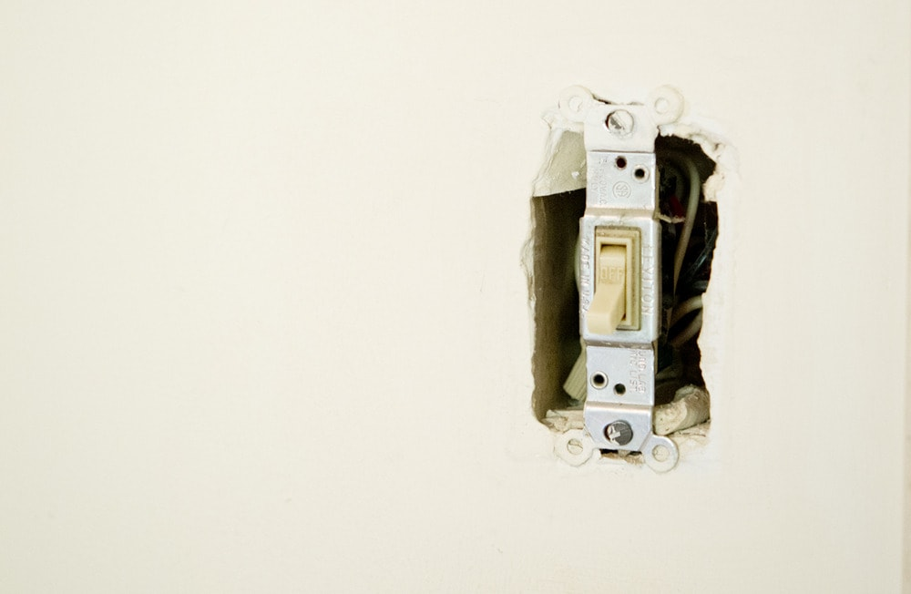 3rd_bedroom_unfinished_socket