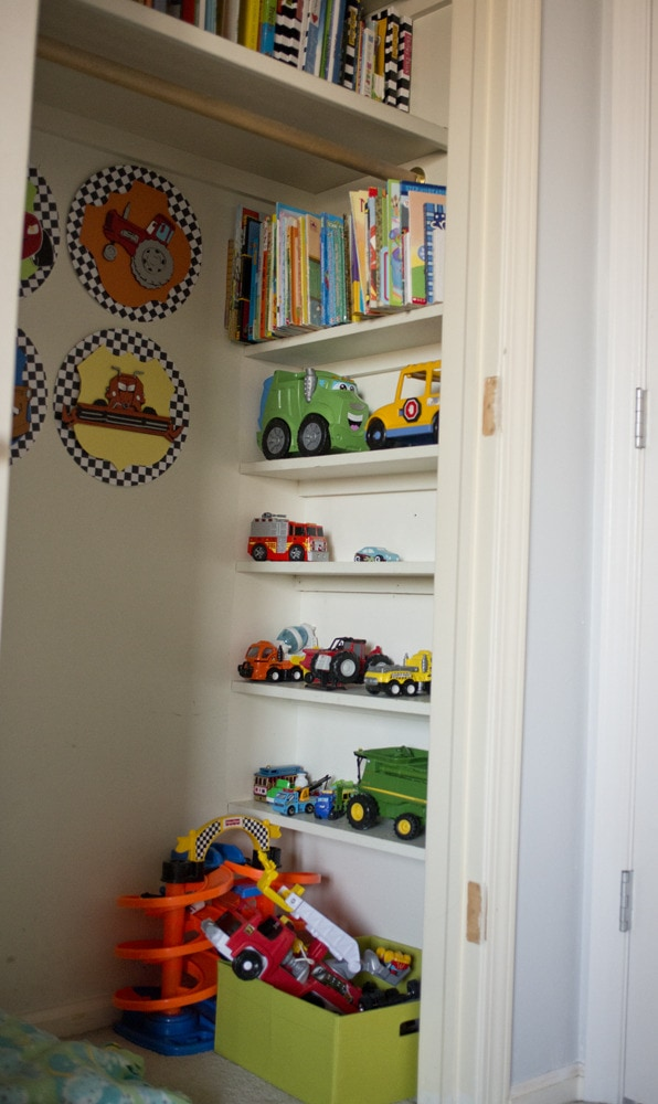 Car_and_book_storage