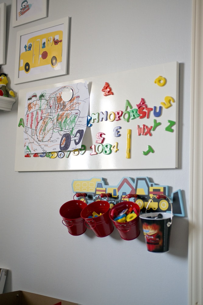 Magnetic_board_as_wall_gallery