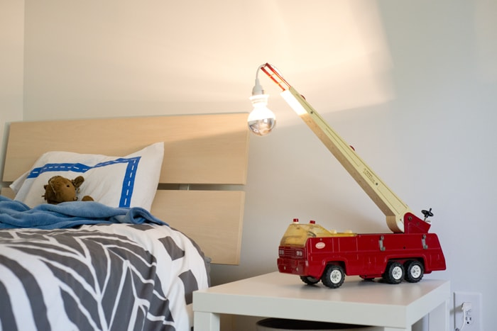 firetruck light as reading light