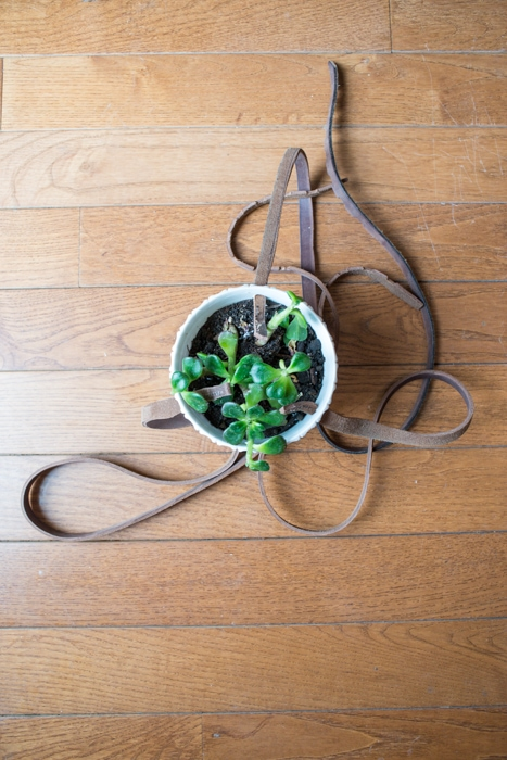 How to make a hanger plant holder by Bigger than the three of Us