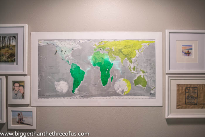 Travel gallery magnetic map