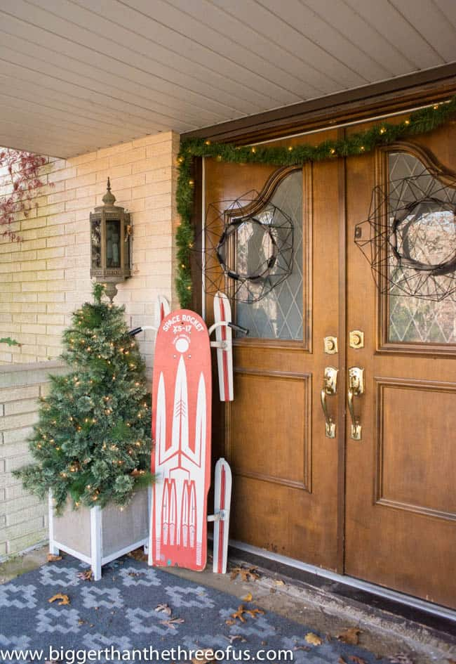 Christmas Decor on Front Porch -5