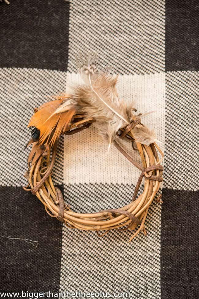 DIY Feather Wreath Ornament-2