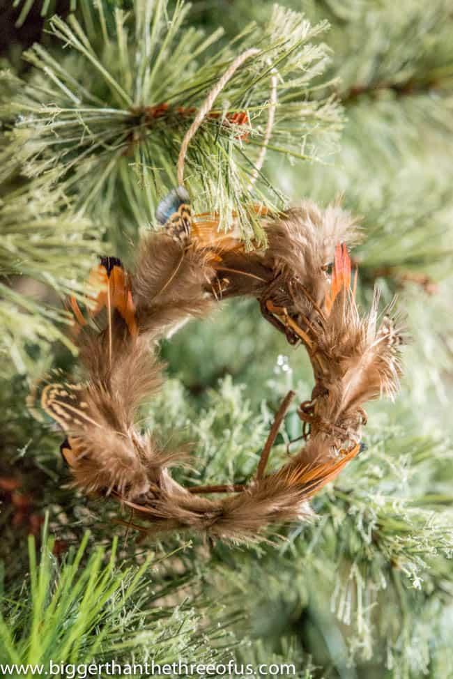 DIY Feather Wreath Ornament-4