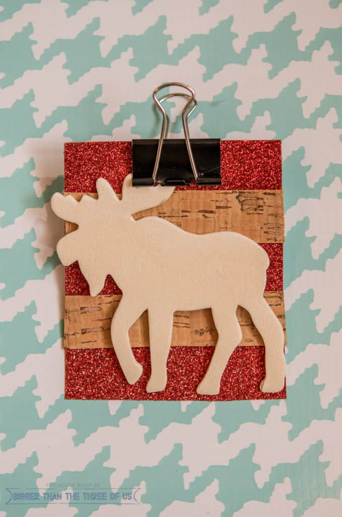 Make this simple moose ornament out of scraps! Pop over to see how.