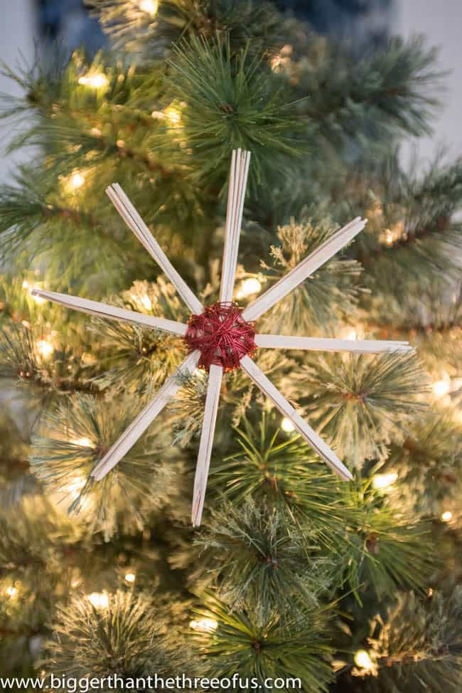 DIY Stick and Wire Christmas Ornament DIY Christmas Crafting-1-2