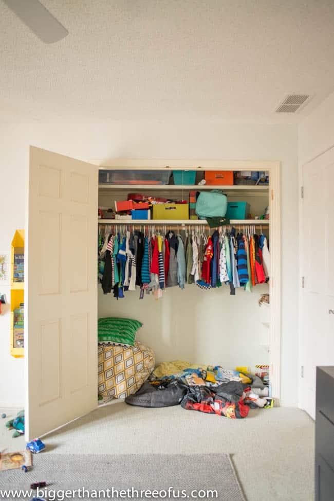 How to organize a Closet for a toddler