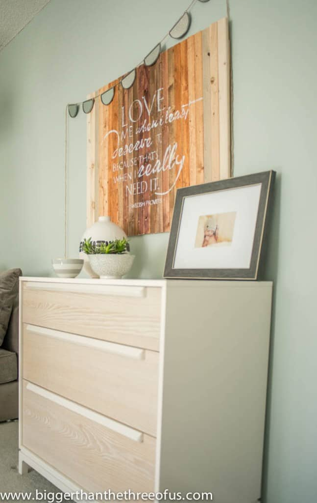 Give your Home that Nice and Cozy Feel with an Ombre DIY Wood Stencil Art