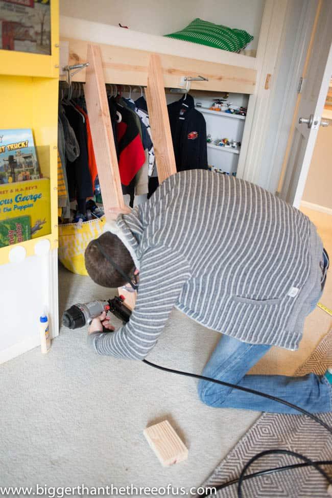 How to make a ladder for a closet loft
