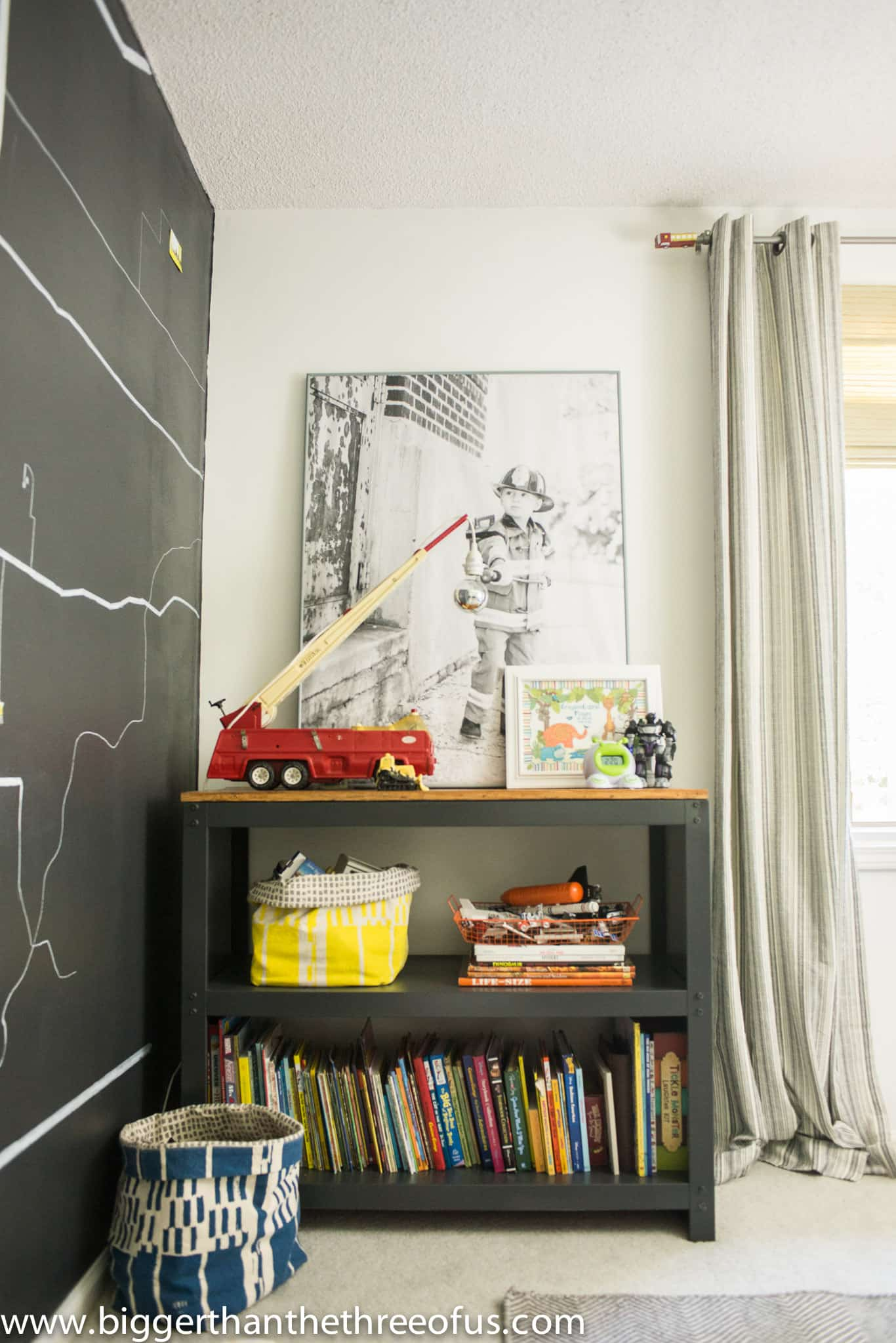 want a room that can grown with your kids check out this modern and bright - Modern Boy Room