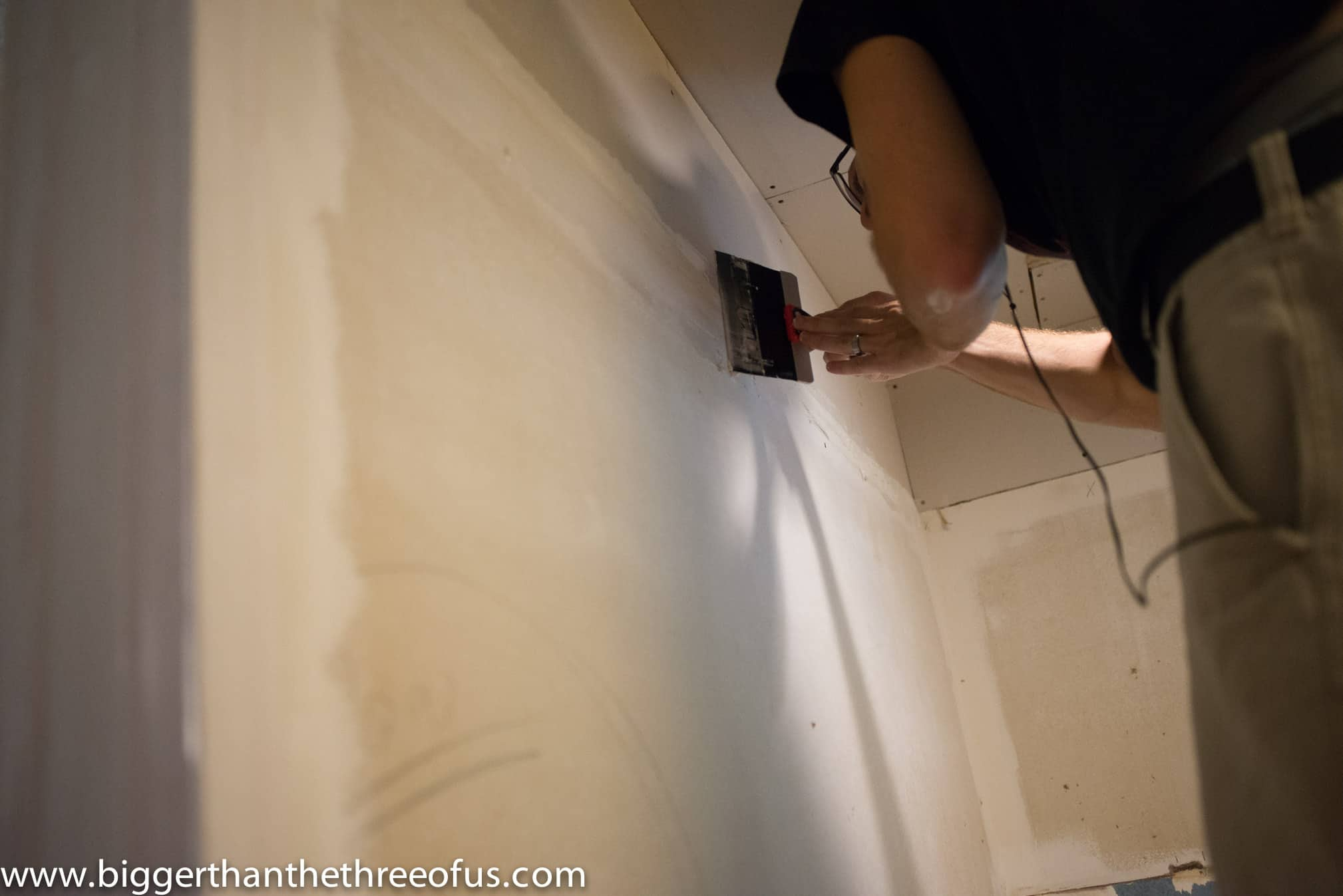*As with every application of mud, try to smooth and arc so that the drywall looks smooth. This will help with the reapplication process.