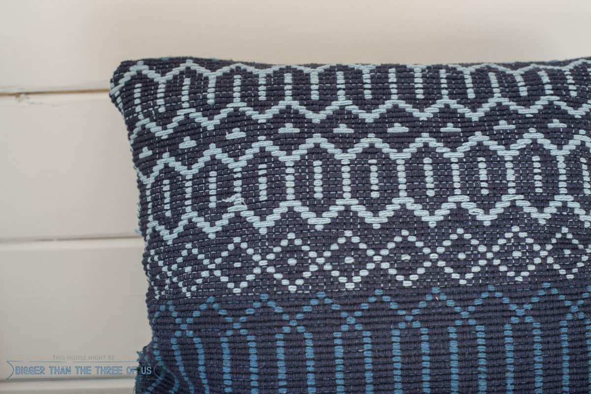 Make this DIY Pillow with a rug and five minutes!