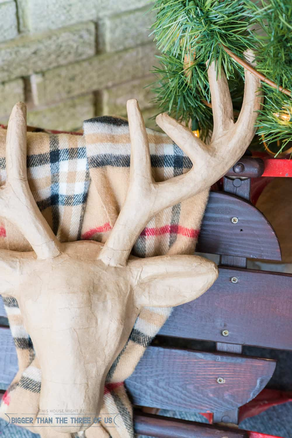 Get inspired to Decorate Your Front Porch for Christmas