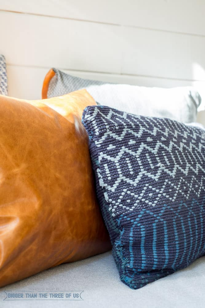 DIY Woven Pillow (in 5 MInutes!) made out of an accent rug!