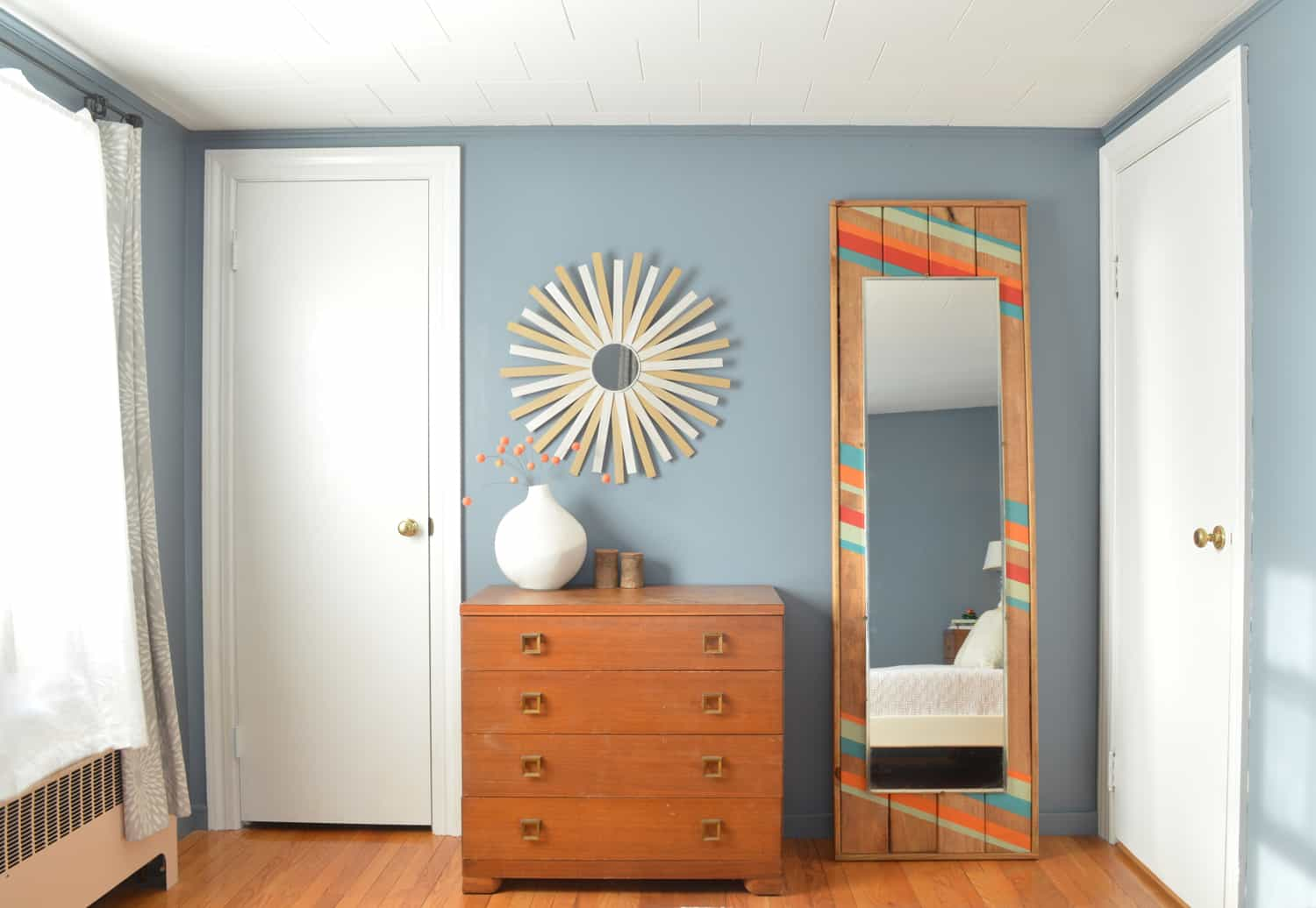 Make this DIY Modern Floor Mirror