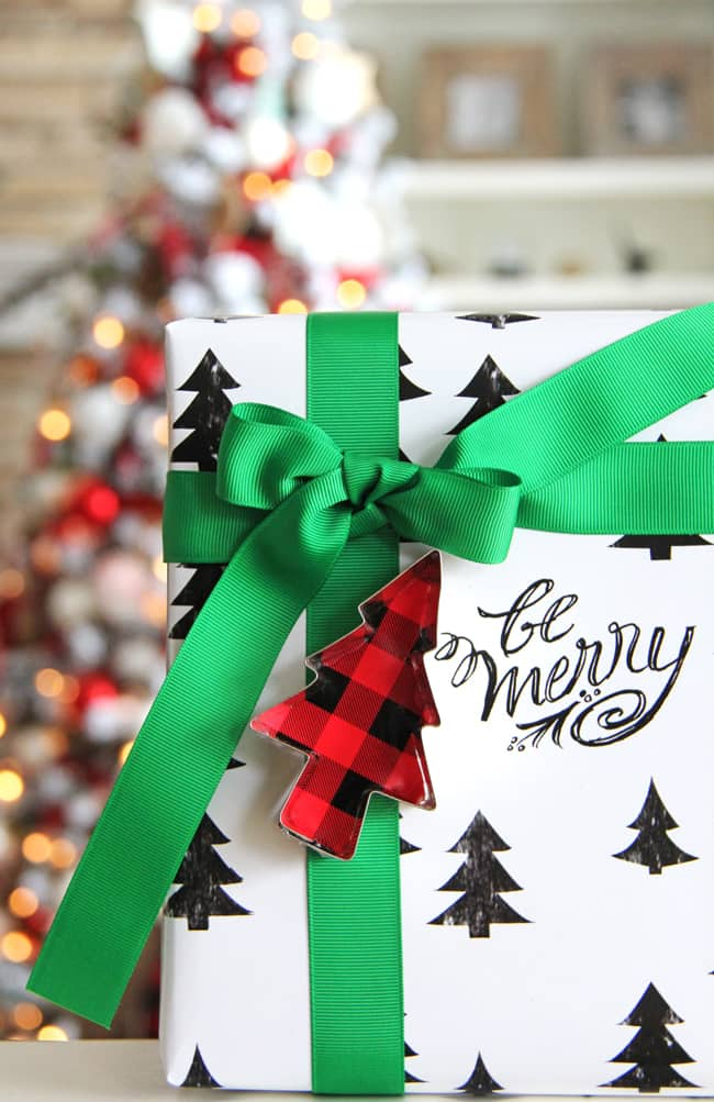 Modern and Bright Christmas Wrapping Ideas