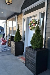 Adorable large DIY Planter boxes