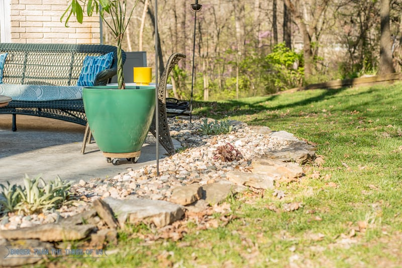 Using Rocks Instead of Mulch around the patio : See the before and after!