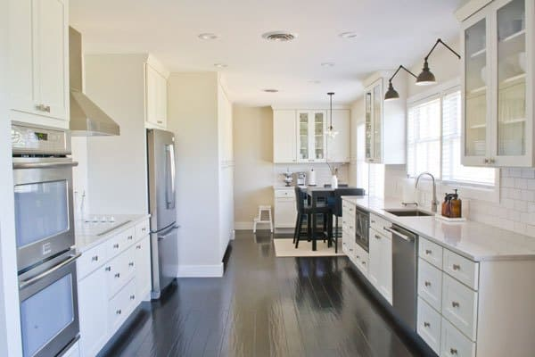 Love this before/after kitchen renovation!