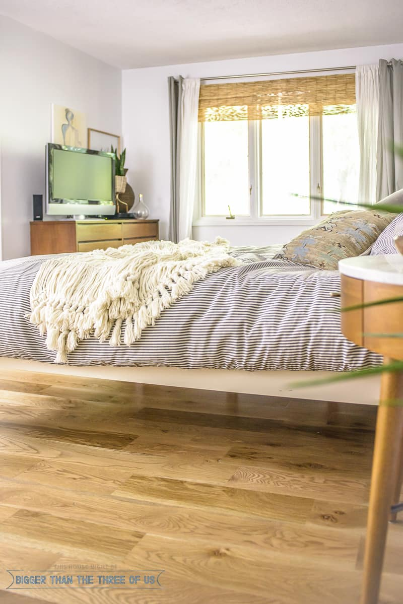 Mid-Century-Modern-Master-Bedroom-9