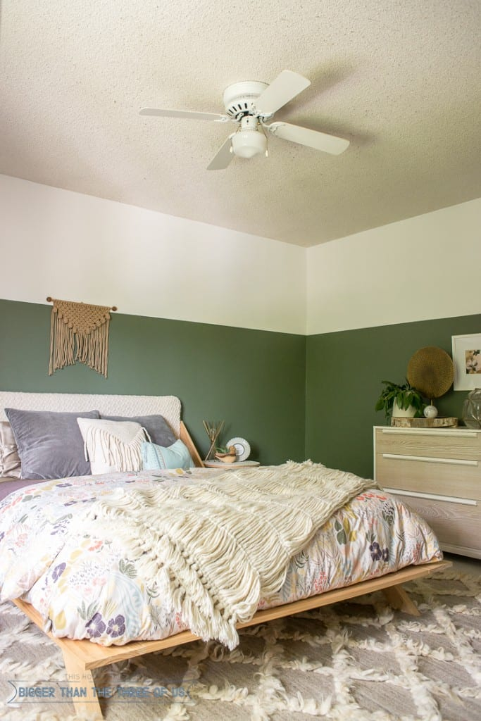 green paint in a bedroom - green walls in a bedroom