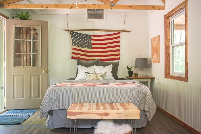 Simple, Rustic and Modern Cabin Reveal