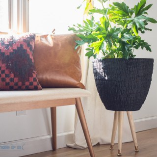 Make this simple Mid-Century planter in just a few easy steps!