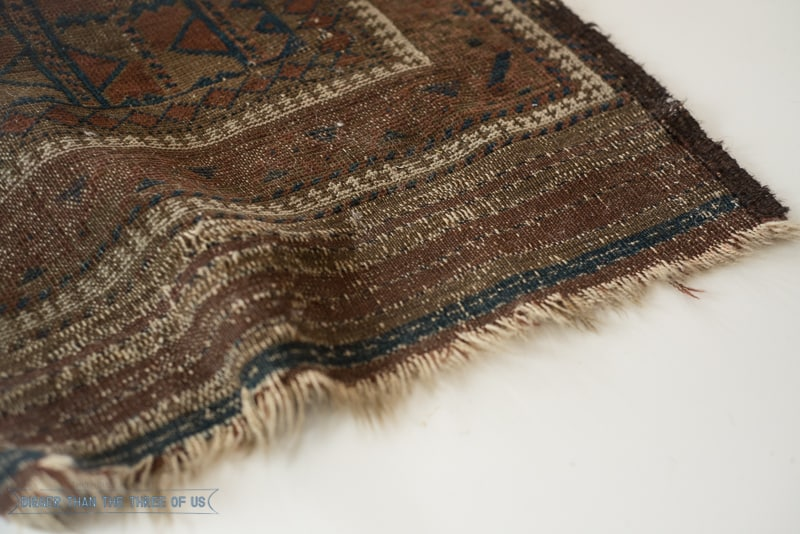 Use this SIMPLE tutorial to clean your Vintage Rug! Click to see -- srcset=