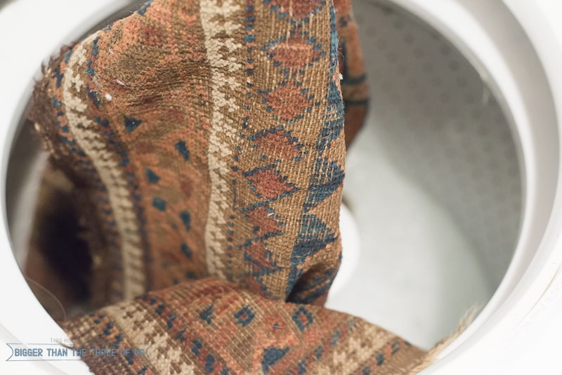 How to clean a vintage rug in the washing machine