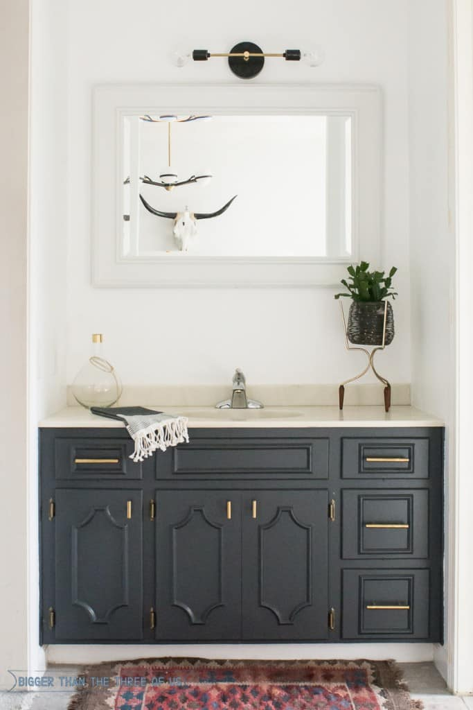 Minimal-Bathroom-Nook-Reveal-2