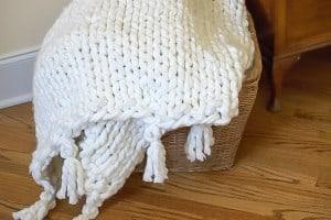 DIY Chunky Knit blanket tutorial