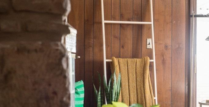 5 Minute, 5 Dollar DIY Blanket Ladder