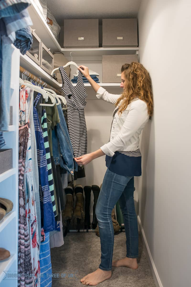 DIY Closet Makeover with lots of organization!