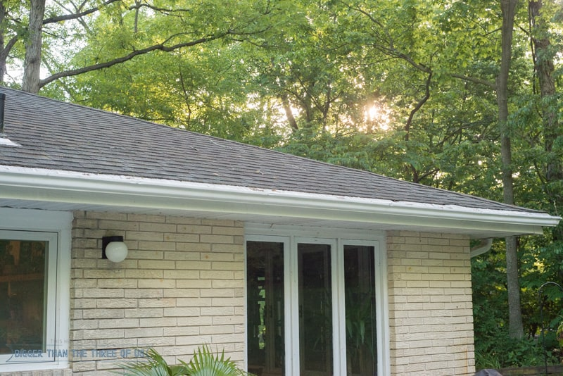 Replace gutters cost including downpouts