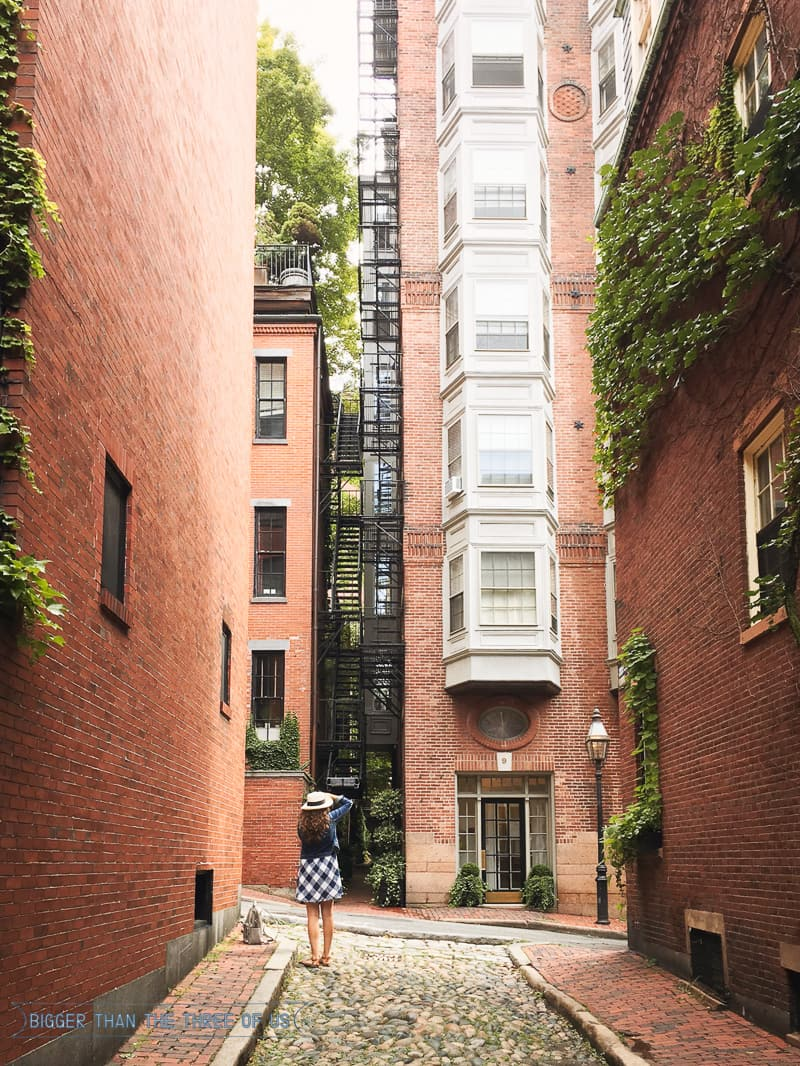 3 Days in Boston -- Where to Eat and What to See-Acorn Street in Beacon Hill