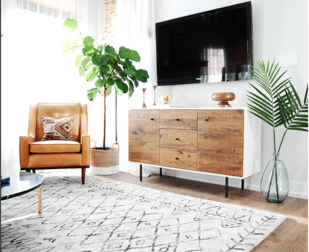 How to Style around a TV. TV Console Styling. #styling #howto