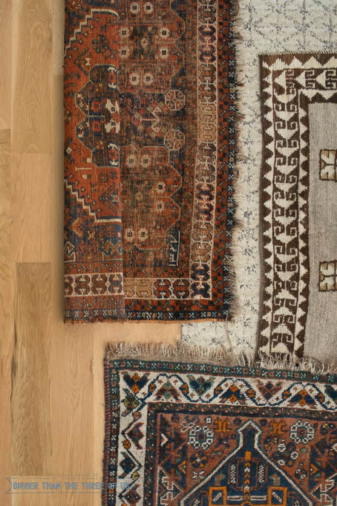How to Search for Cheap Vintage Rugs online. Learn how to sort and find vintage rugs for cheap using these tips and tricks!