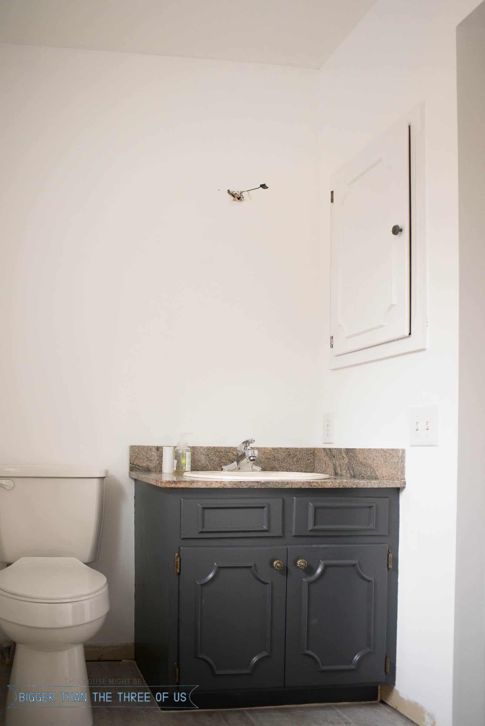 Paint makeover in small bathroom