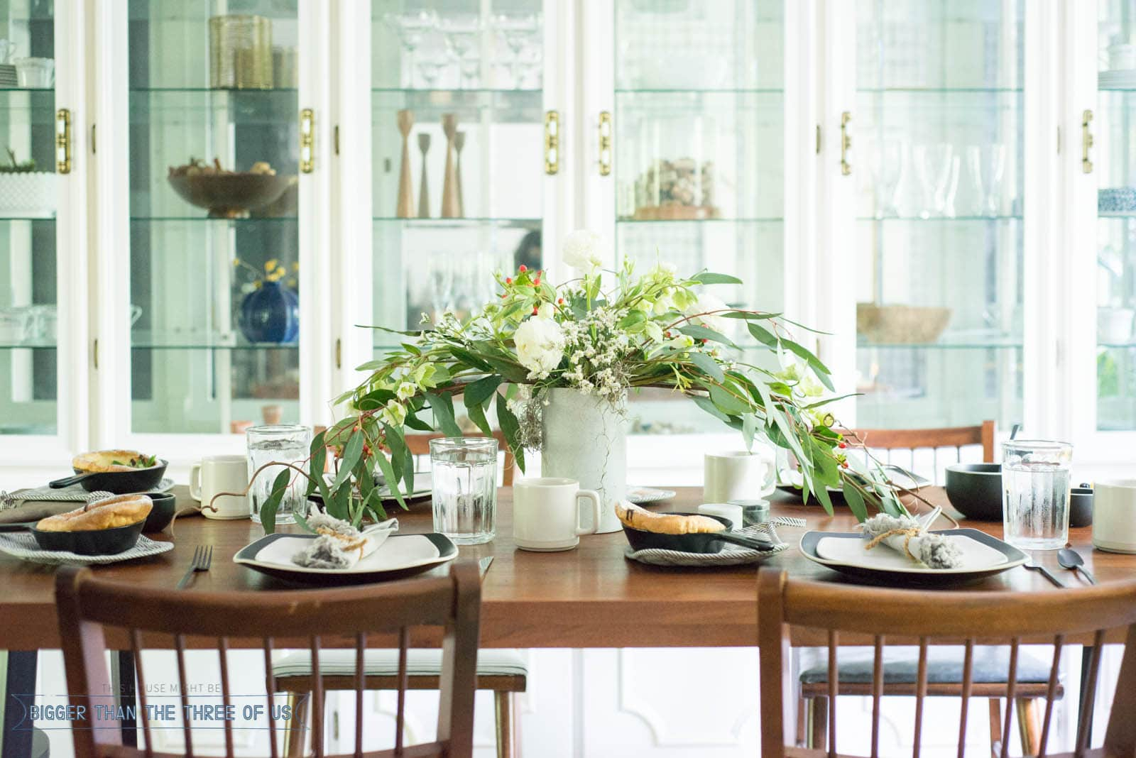 How to set a beautiful table for brunch