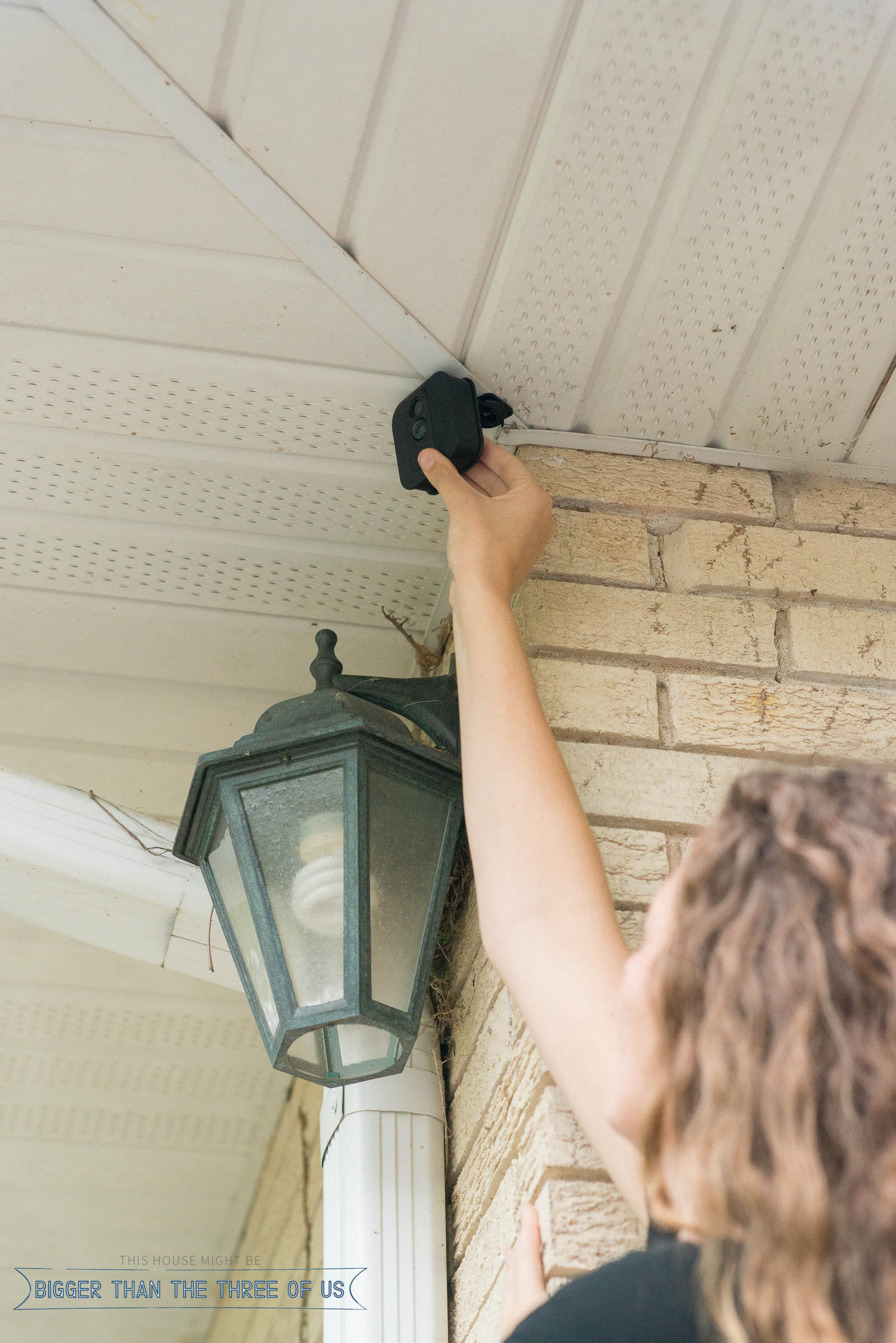 If you want exterior home security, but aren't sure where to start... read this post all about Blink Home Security. #homesafety #secruitycamera