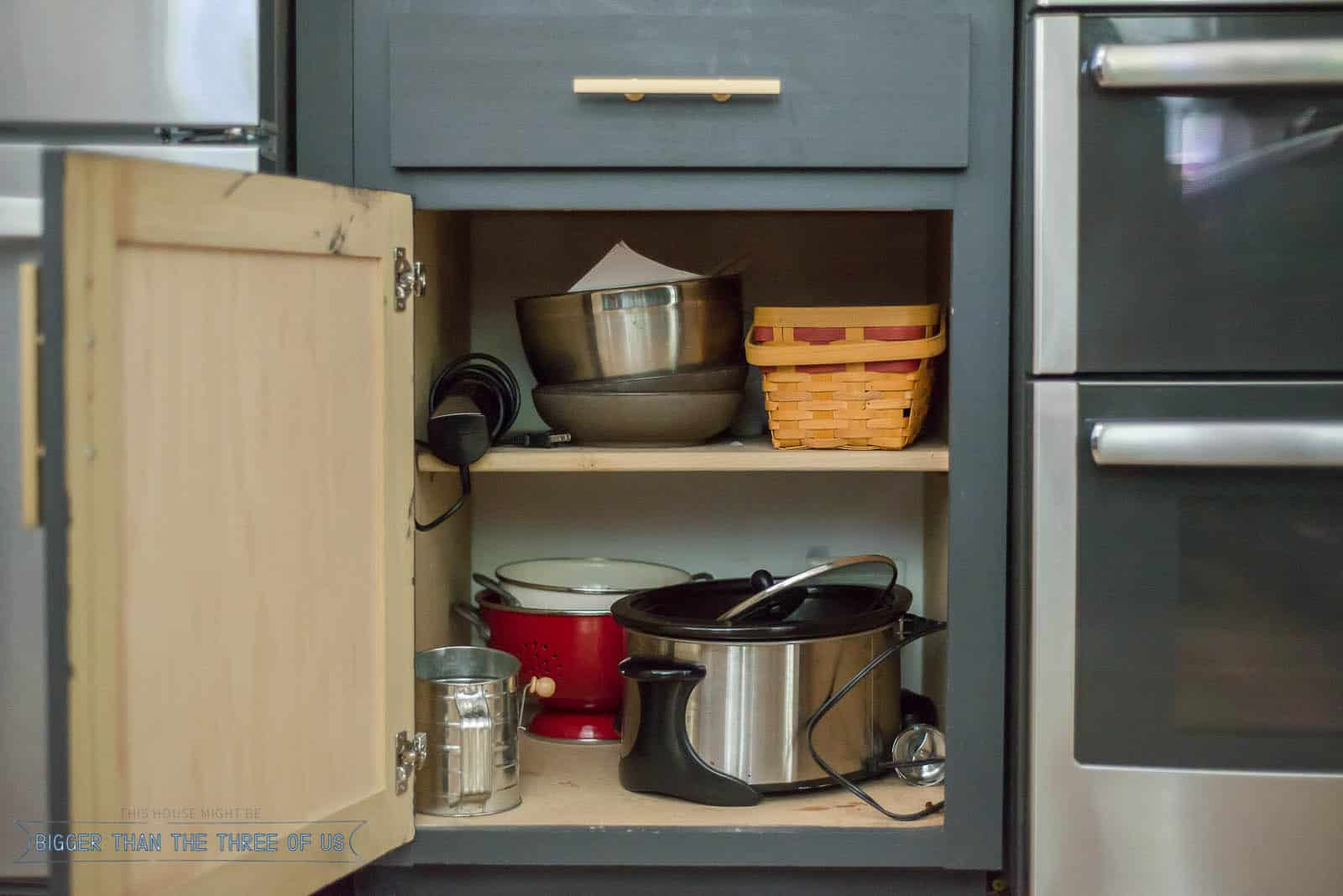 Organizing Deep Kitchen Cabinets with these Easy Kitchen Organizing Ideas
