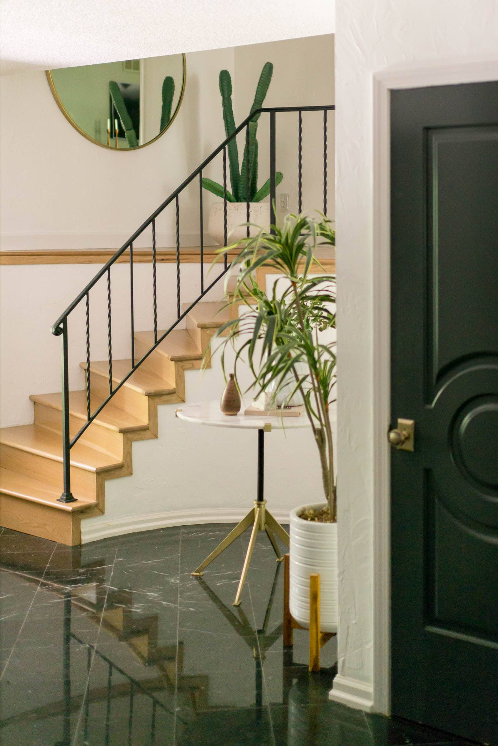 Circle stairs in foyer