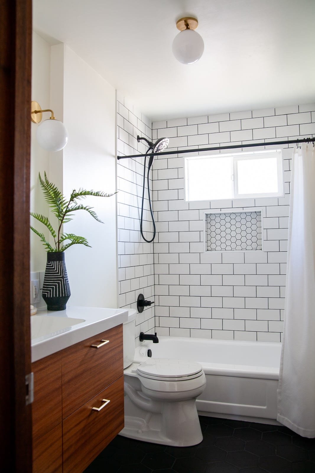 Novice DIYers tackle a full bathroom reno