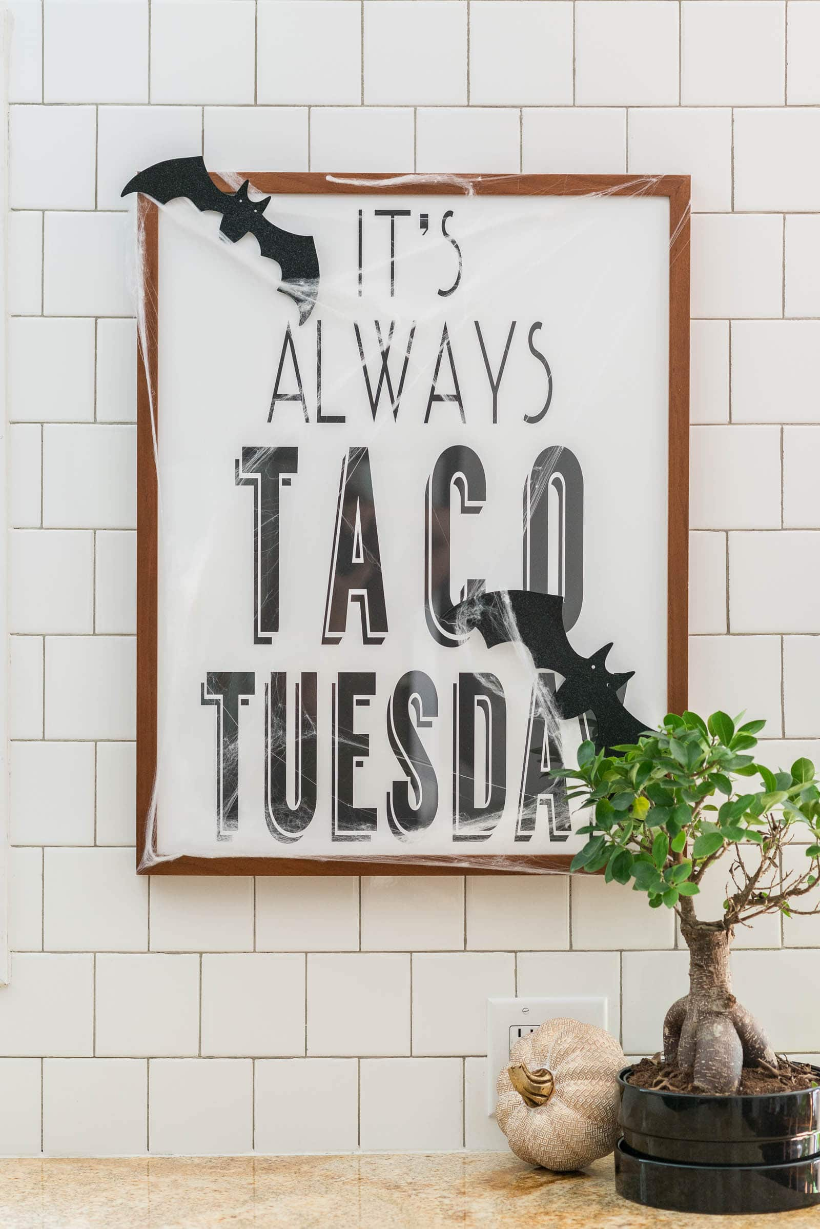 Halloween Taco Tuesday Sign