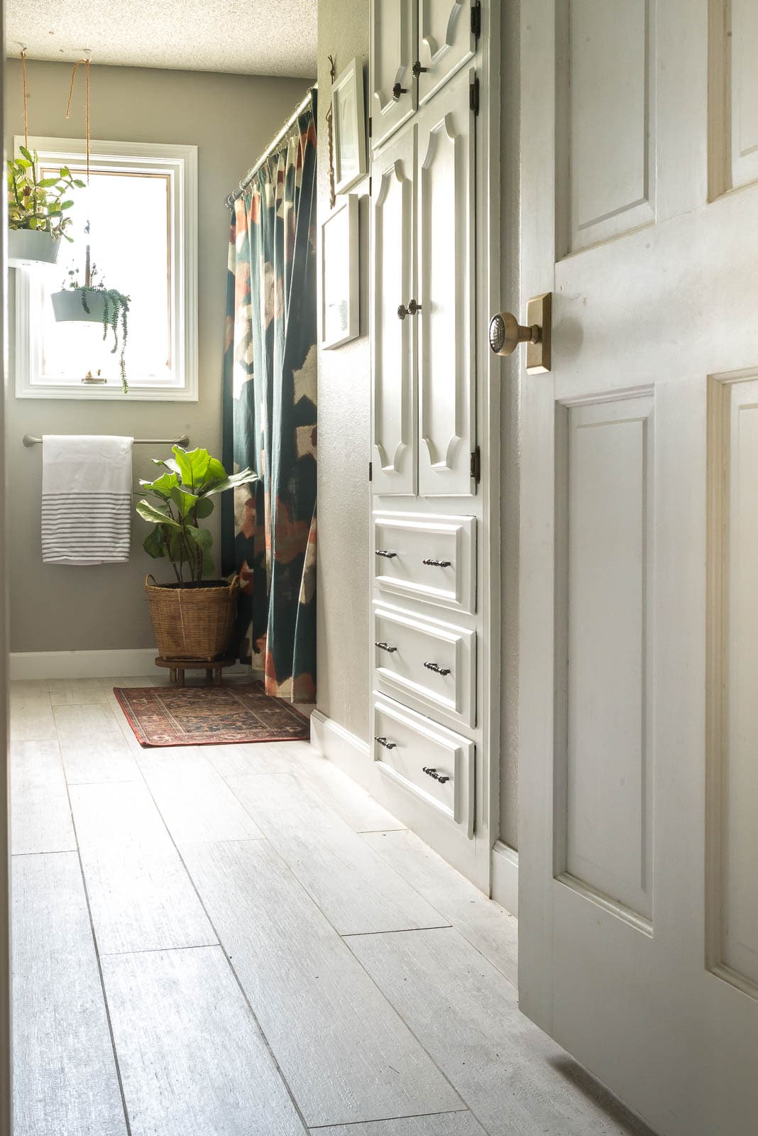 All about bathroom storage and organization