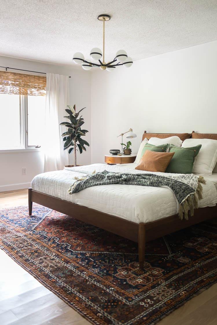 Midcentury bedroom with vintage rug