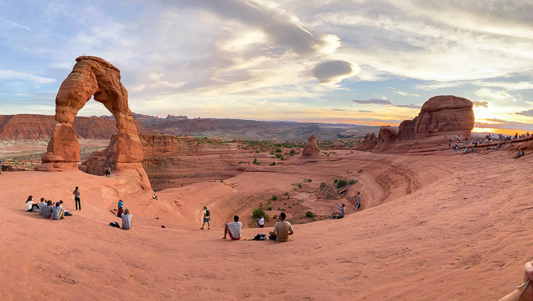 Utah Arches : Visit Delicate Arch at Sunset