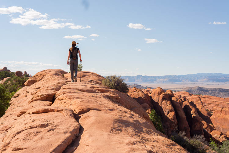 How to hike to Double O Arch in Arches National Park, Utah.